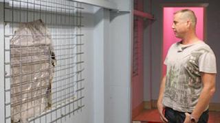 Мъж разби еротичен магазин за да прави секс с надуваеми кукли