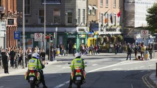 Един убит и двама ранени при стрелба в Дъблин