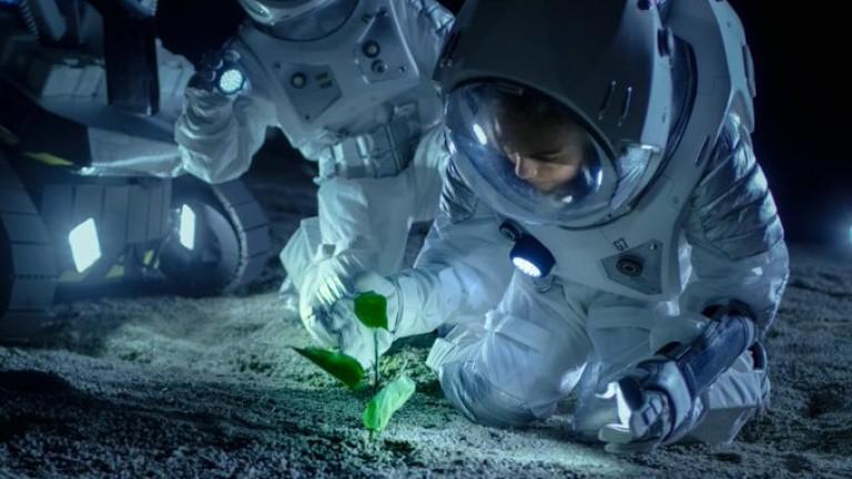 Откакто животът на Земята става все по-труден и стресиращ, Космосът