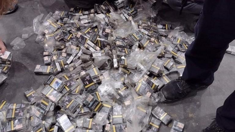 Откриха над 1000 кутии контрабандни цигари в задните гуми на турски тир