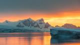 В Антарктида откриха първо активно изтичане на метан от морското дъно
