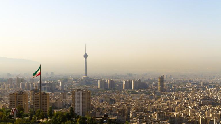В Иран става все по-зле, особено за младите