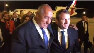 Борисов посрещна Макрон на летище Варна