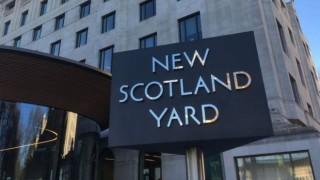 В Лондон задържаха мъж, готвил терористичен акт