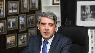 Радев не може да има необходимата за България силна позиция в ЕС