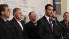 Кой финансира кампанията на Румен Радев, питат реформаторите