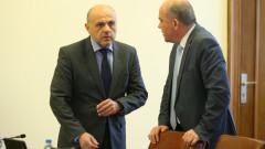 Министър Петков очаква за диалог хората с увреждания