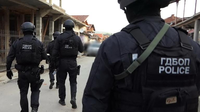 ГДБОП разби хакерска банда за пране на пари в Разград