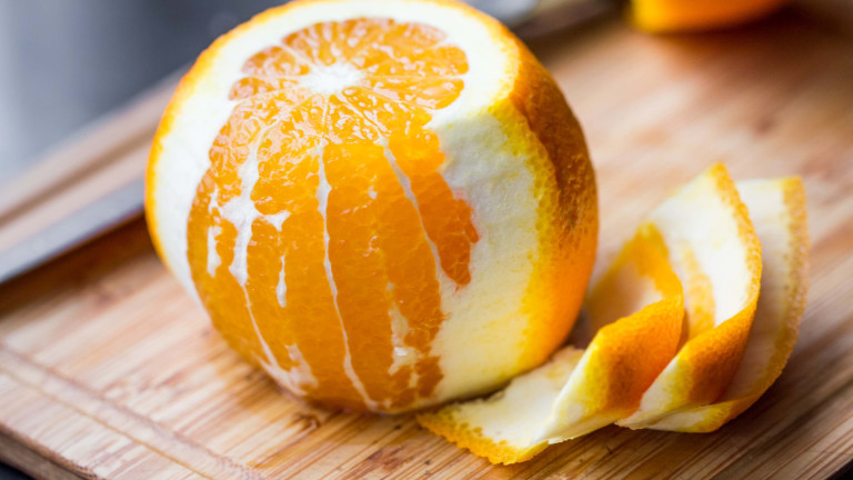 Защо да не хвърляме корите от портокали