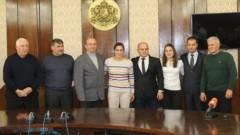 Кметът на Русе награди Биляна Дудова и Тайбе Юсеин