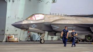 Китай предупреди британския самолетоносач: В бойна готовност сме
