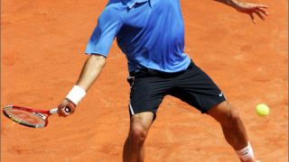 Федерер е първият финалист на турнира в Хале