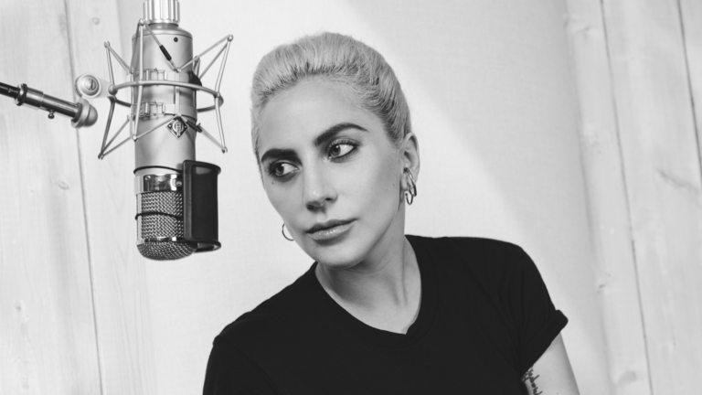 "Кадър от ""Gaga: Five Foot Two"""