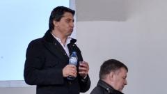 Даниел Боримиров облича синята фланелка