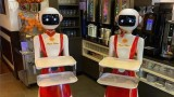 Нидерландия, ресторантът Royal Palace и новите роботи сервитьори