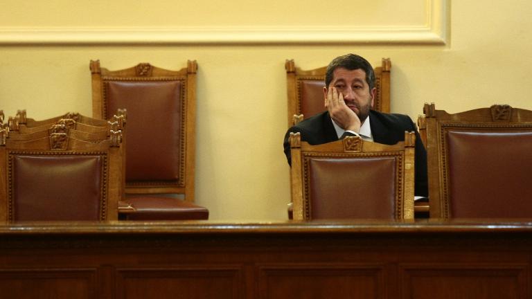 Правосъдният министър Христо Иванов хвърли оставка, Борисов я прие