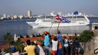 За първи път за близо 40 години американски круиз акостира в Хавана