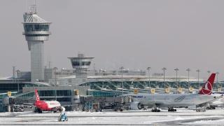 200 българи принудени да чакат полета си 8 часа