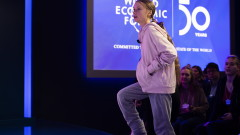 Грета Тунберг зове световните лидери в Давос да се вслушат в младите активисти