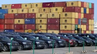 След 80% спад в продажбите на коли в Китай, властите премахват ограниченията за покупки