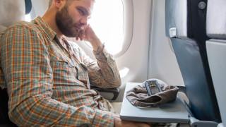 Защо ставаме емоционални в самолета