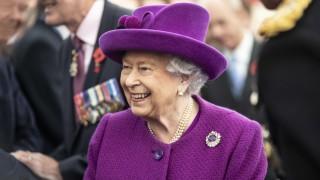 Какво направи кралицата за пръв път на 94