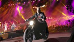 Еволинк връщат парите за концерта на Слави
