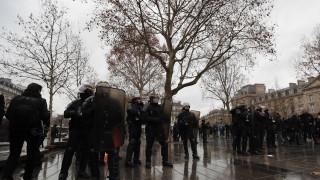"""Близо €1 млрд. загуби за търговците във Франция от """"жълтите жилетки"""""""