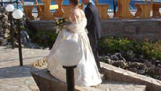 Първа сватба по GSM