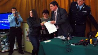 Млади шофьори получиха книжки на специална церемония