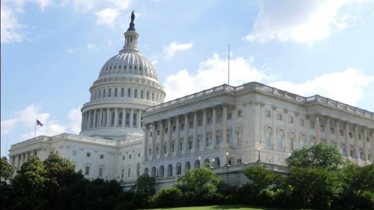 Демократите: Когато президентът злоупотребява с властта, по конституция се полага импийчмънт