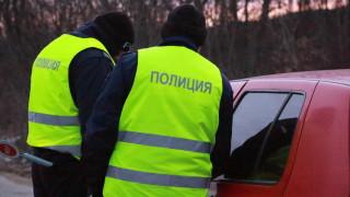 """От """"Икономическа полиция"""" претърсват квартал на Пловдив"""