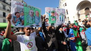 Алжирският лидер Бутефлика подава оставка преди 28 април