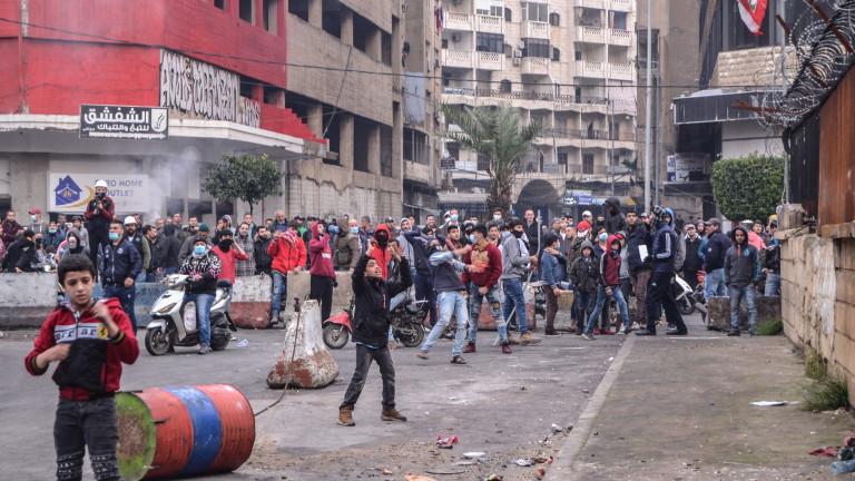 Ливан изпитва затруднение с голям недостиг на медицински консумативи и