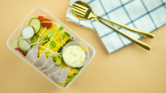 Защо да избягваме храната от пластмасови съдове
