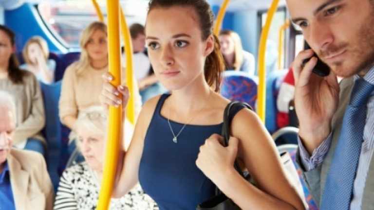 Какво трябва да знаеш за свалката в автобуса?