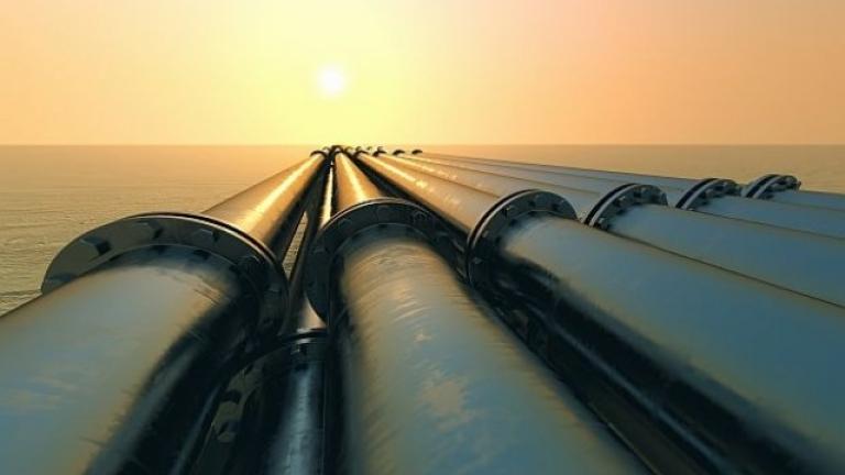 """Още 2 месеца и половина ще трае очистването на """"Дружба"""" от замърсения руски петрол"""