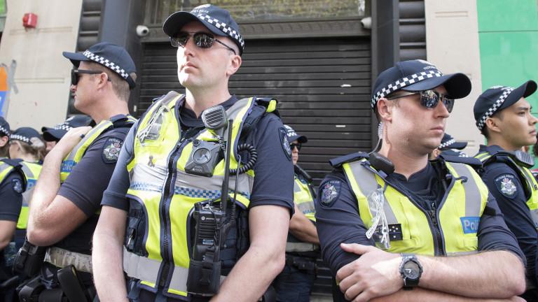 Австралия притиска журналист, обвинил държавата в шпионаж на граждани