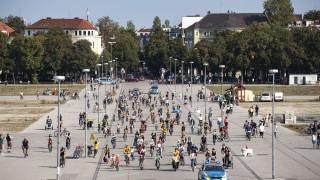В Мюнхен частично задължиха носенето на маски