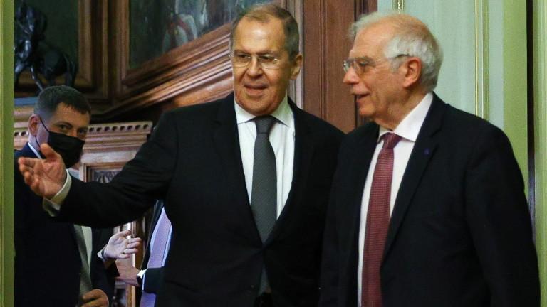 Борел обвини Русия и Китай в сближаване за конфронтация със Запада