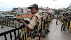 Изгонените от Индия дипломати се прибраха в Пакистан