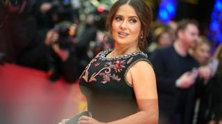 Защо Салма Хайек играе силни жени