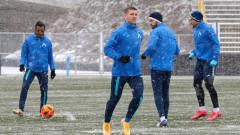 Левски тренира при постоянен снеговалеж