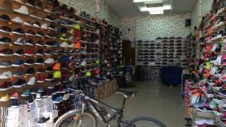 МВР и НАП запорираха 80 000 чифта китайски обувки