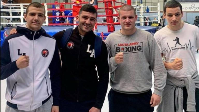 """Младите боксьори на """"Лаута арми"""" с три медала от Държавното първенство"""