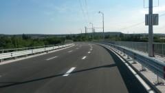 Ремонт затруднява движението на Аспарухов мост