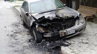 Разследват палеж на две коли в Стара Загора