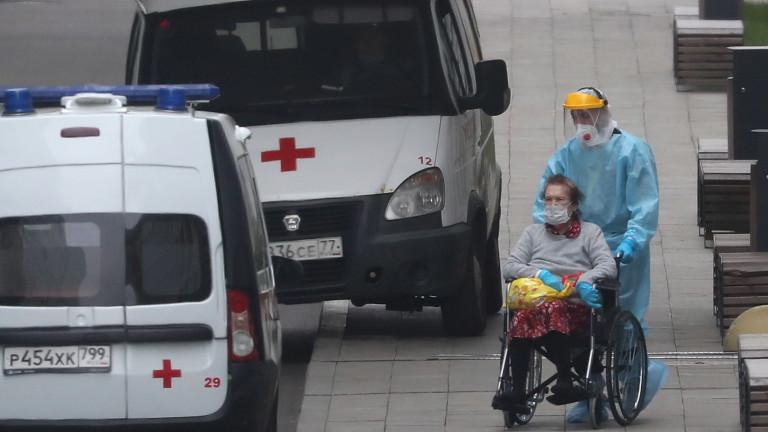 Русия за пореден ден чупи рекорда си за починали от COVID-19