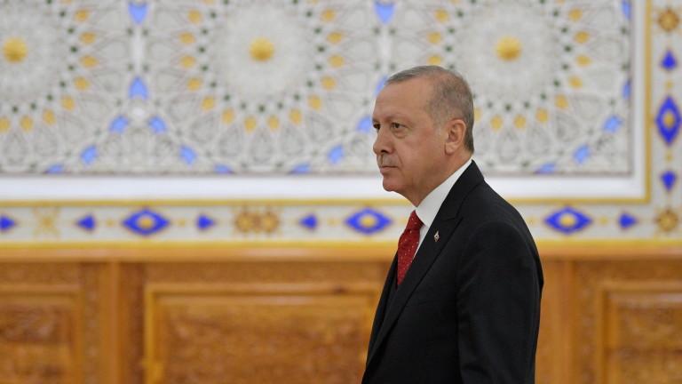 Турция пристана на Русия, без да се разведе със Запада