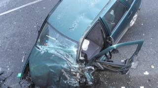 Мъж с 2,86 промила блъсна паркирана кола